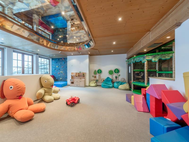 Kinder-& Jugendparadies | 5* Wellnesshotel Bergfried in Tux