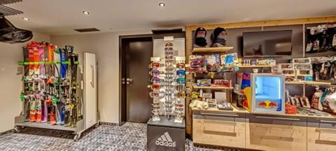 Ski room & Sportshop